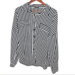 Boohoo plus black & white button down blouse top